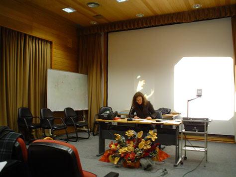Professora Sandra Leandro antes de uma conferência